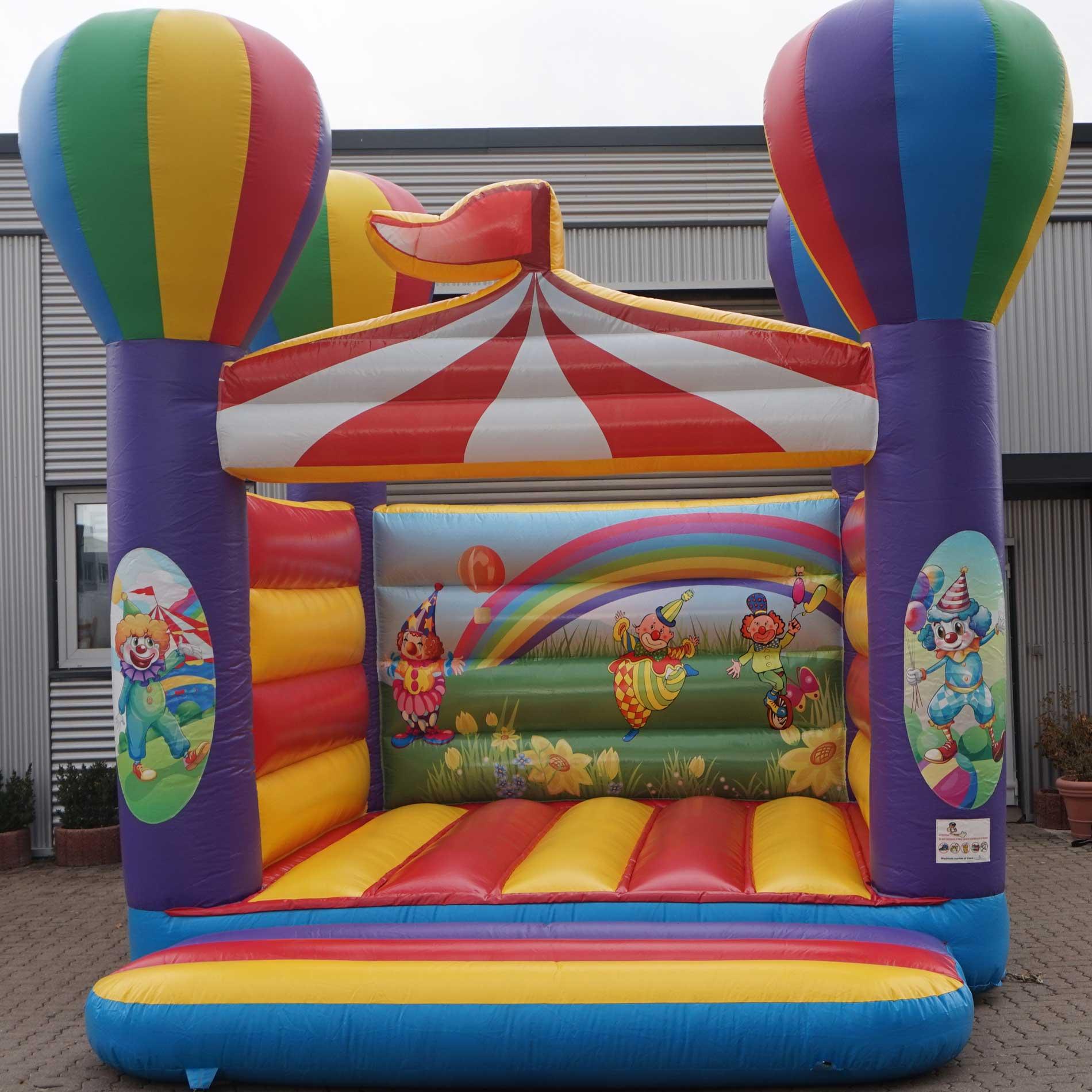 Kinderhüpfburg mit lustigen Zirkus-Motiven
