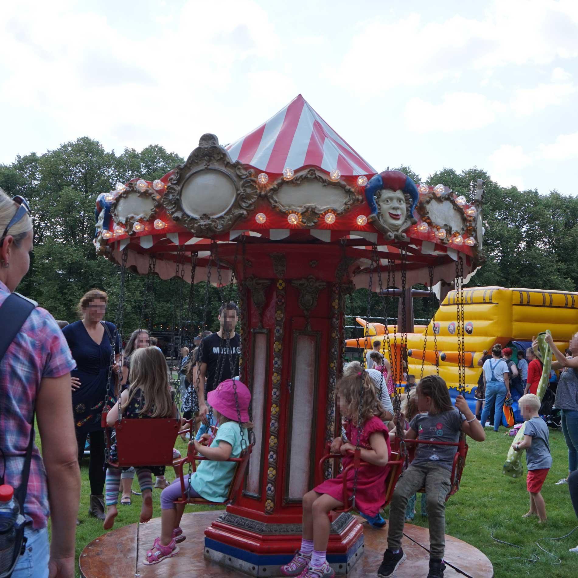 Kleines Kettenkarussell für Kinder