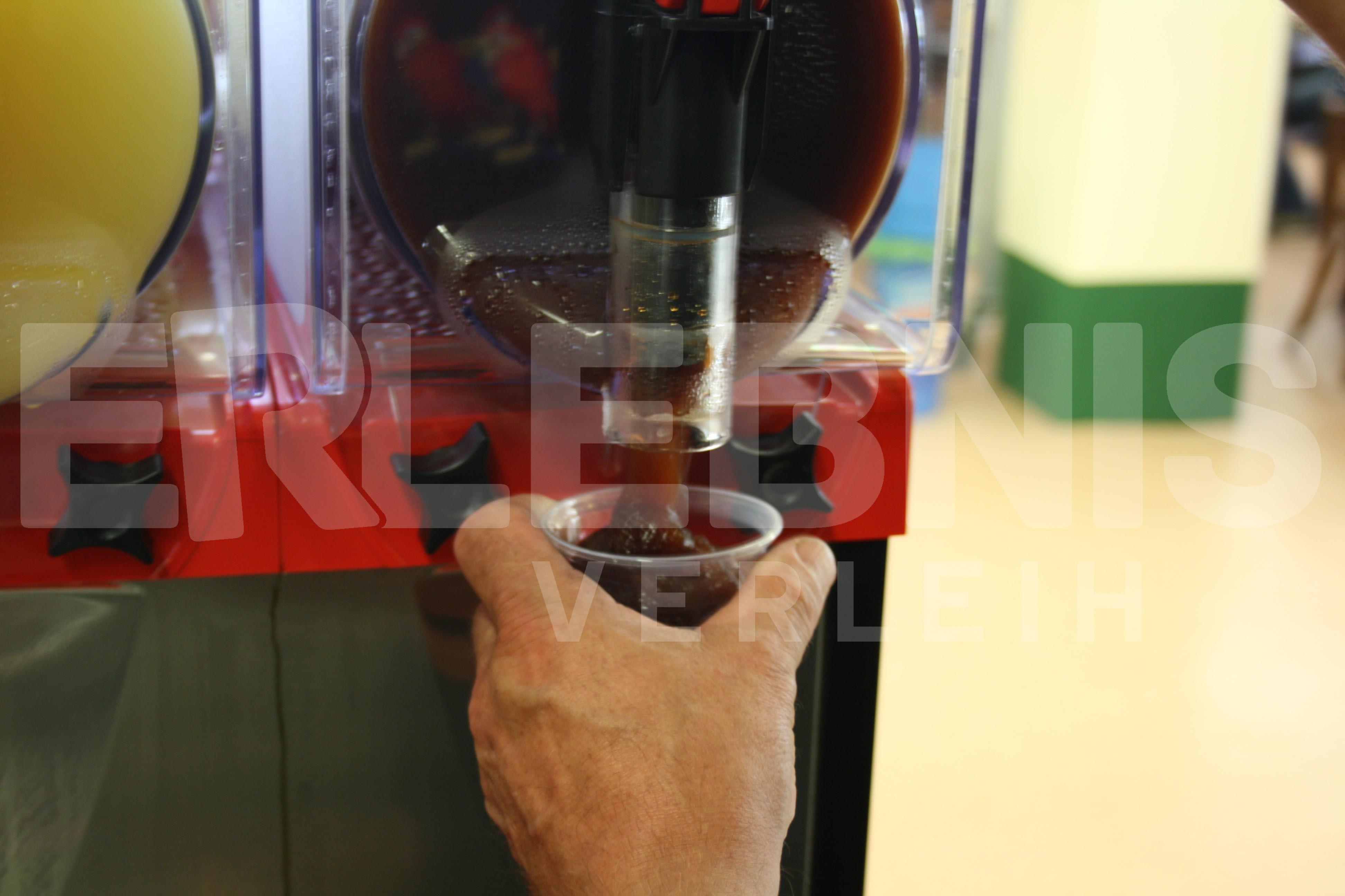 Slush Eis Maschine mit Zutaten und Zubehör
